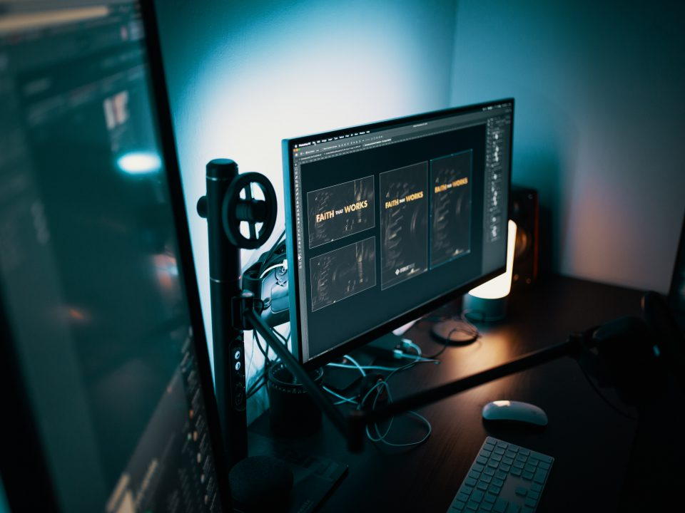 AGON - seria monitorow gamingowych od AOC